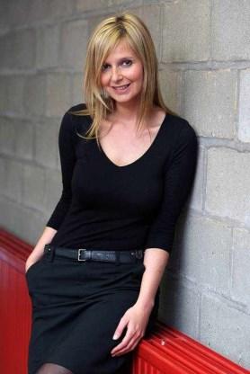 Isabelle Adam5
